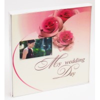 Свадебный альбом 20 магнитных листов с рамкой в коробке формата 28*33 за 750 рублей.